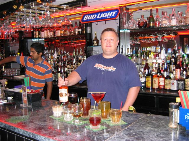 Learn bartending behind an actual bar from our qualified instructors at the Cleveland bartending school.